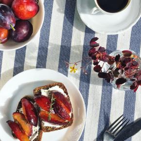 Frutas orgánicas de temporada verano-otoño: Grandes beneficios de peras y ciruelas